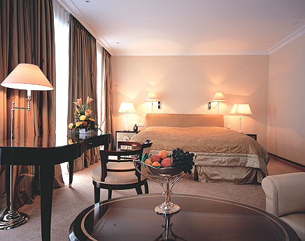 bremen-hotel-room.jpg