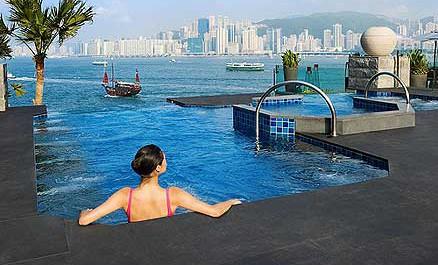 hong-kong-interconti-pool.jpg