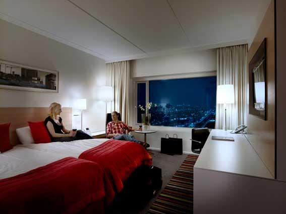 crown_plaza_copenhagen_room.jpg