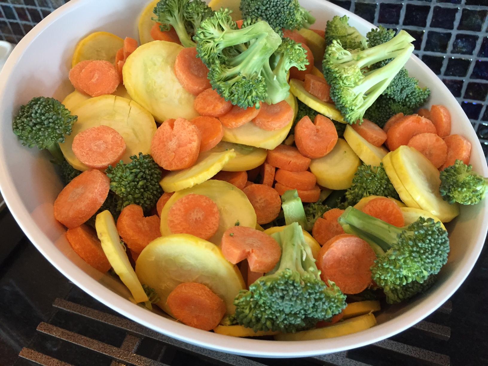 Grøntsagerne i loungen burde have været serveret for flere dage siden.